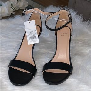 Women black heel sandal